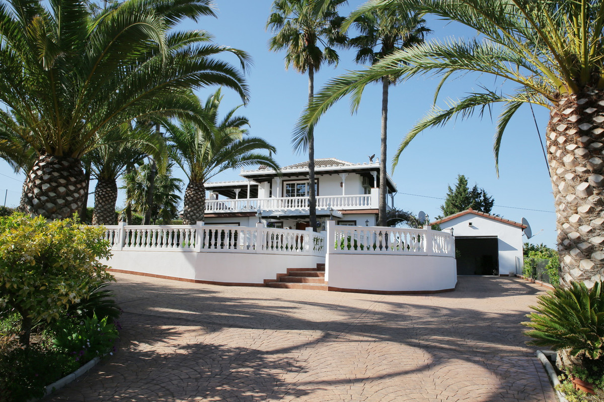 Finca La Jacaranda is situated between Alhaurim El Grande & Coin on a beautiful positioned in th,Spain