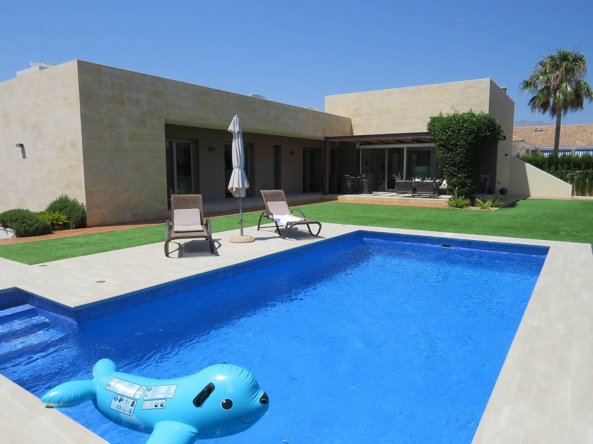 CHALET DE LUJO, ALFAS DEL PI - 5 BEDROOM 4 BATHROOM MODERN LUXURY VILLA  SAUNA, GYMNASIUM, POOL, SOL, Spain