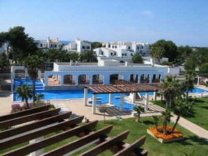 Located In the popular resort of Cala Dor in Majorca this exceptionally competitive priced 2 Bedroom, Spain
