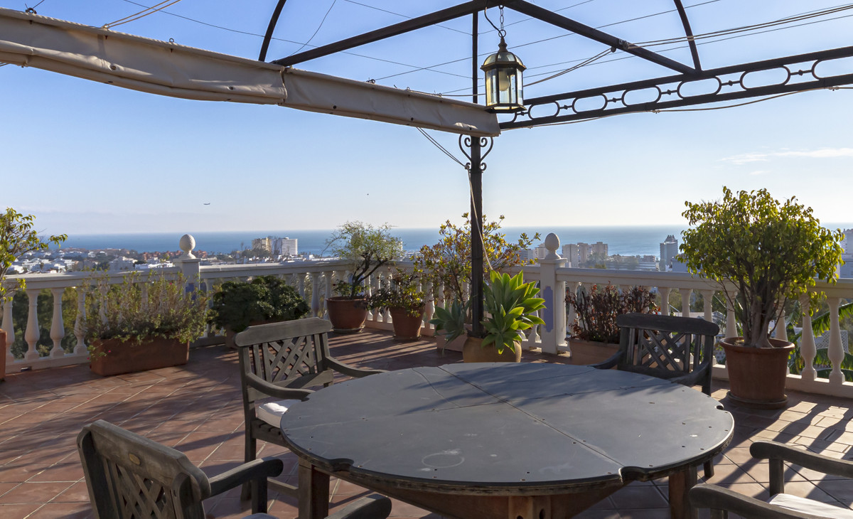 Unique opportunity in El Pinar. € 70,000 discount for immediate sale. Elegant, very bright and sunny,Spain