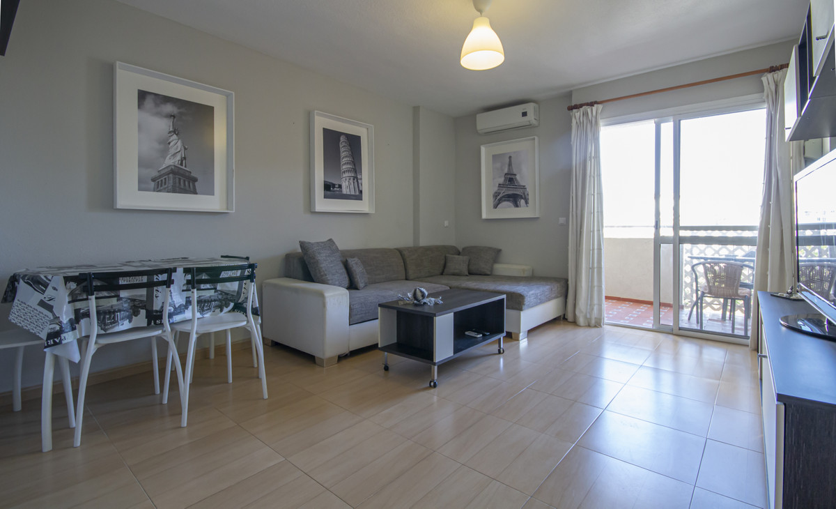 Bright studio, completely refurbished in the Gamonal area in Benalmadena. An exterior studio with se, Spain
