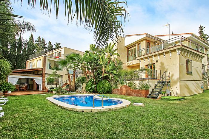 Villa 5 Dormitorios en Venta Málaga