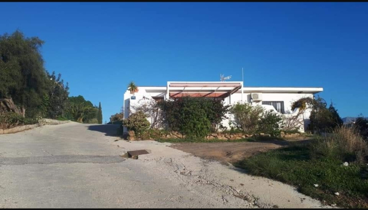 Three minutes drive-4km- from La Cala de Mijas to this amazing Location, set in a tranquil area with,Spain