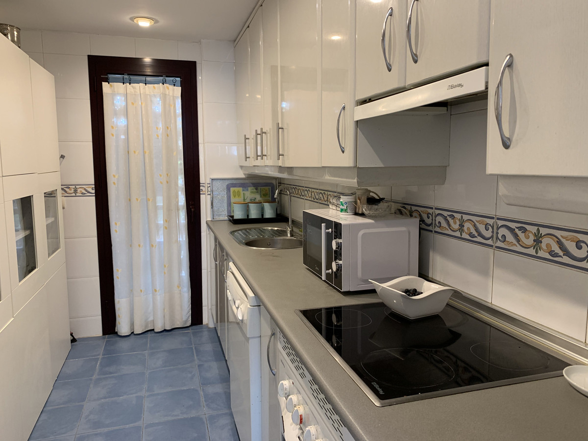 2 Bedroom Ground Floor Apartment For Sale Nueva Andalucía