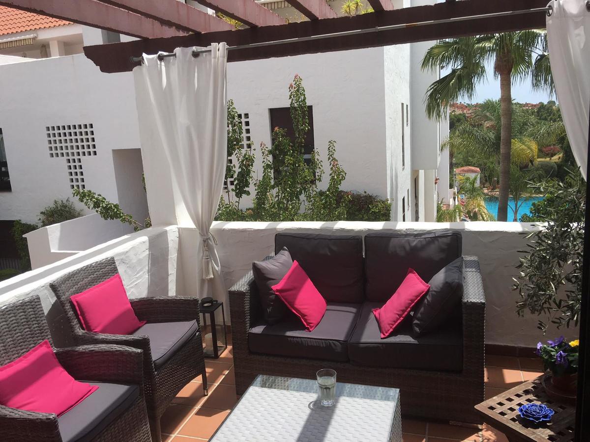 Apartment  for sale in Nueva Andalucía, Costa del Sol