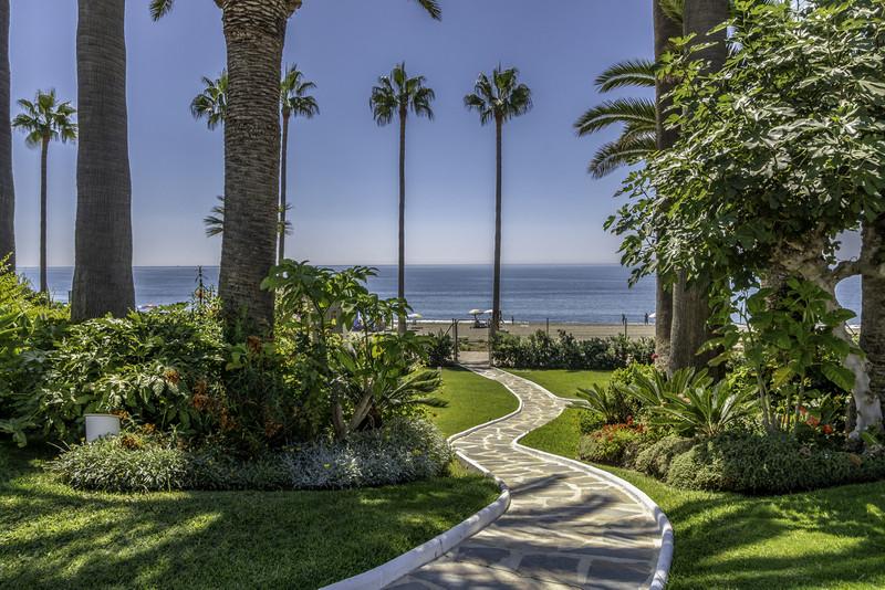 Marbella Banus Apartamento Planta Baja en venta en New Golden Mile – R3483598