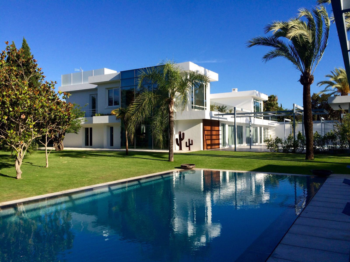 Villa / Property for Sale in Guadalmina Baja, Spain | buy Villa / Property Ref : SV7682 Guadalmina Baja, Spain