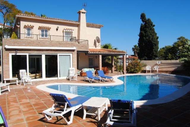 Купить частный дом в испании недорого