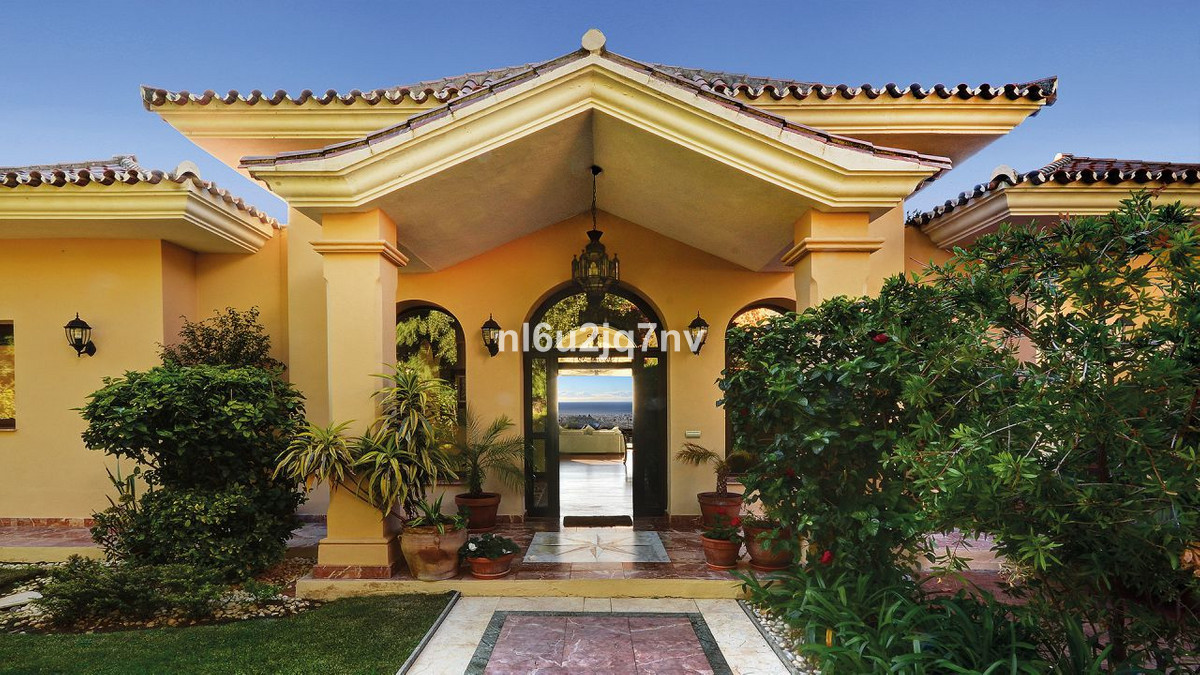 Villa / Property for Sale in Reserva de Marbella, Spain