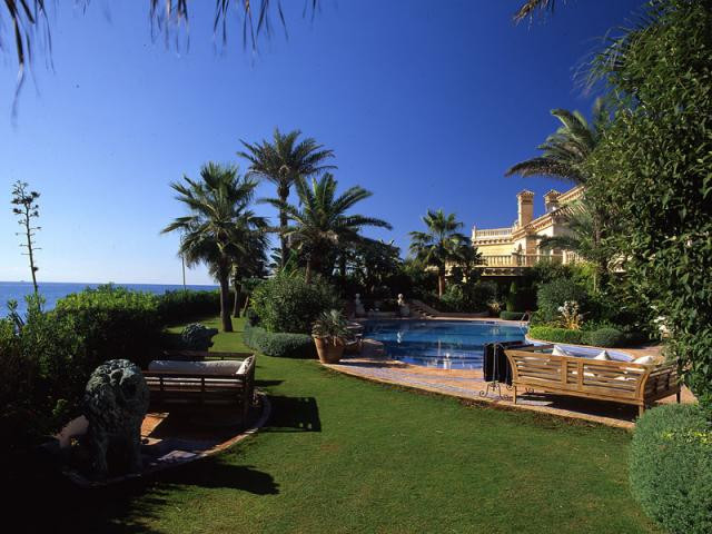 Villa / Property for Sale in La Cala de Mijas, Spain