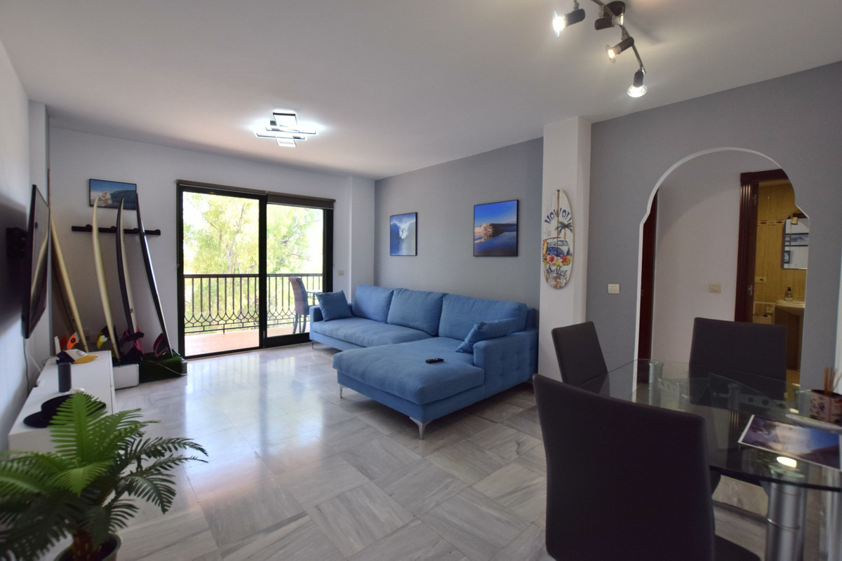 Lovely 2 bedroom apartment with fantastic location Has local amenities on door step and great access, Spain