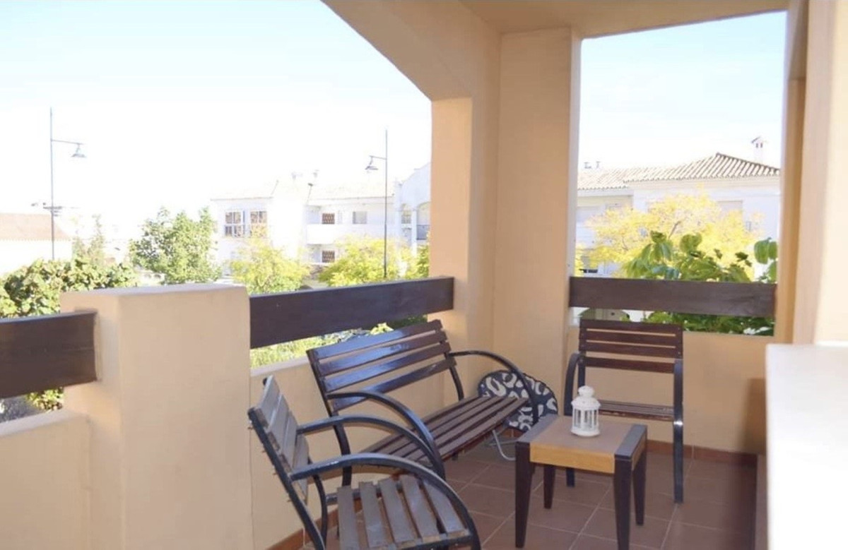 OPPORTUNITY! Apartment located in the lower part ofLos Pacos  Walking distance to all amenities, and,Spain