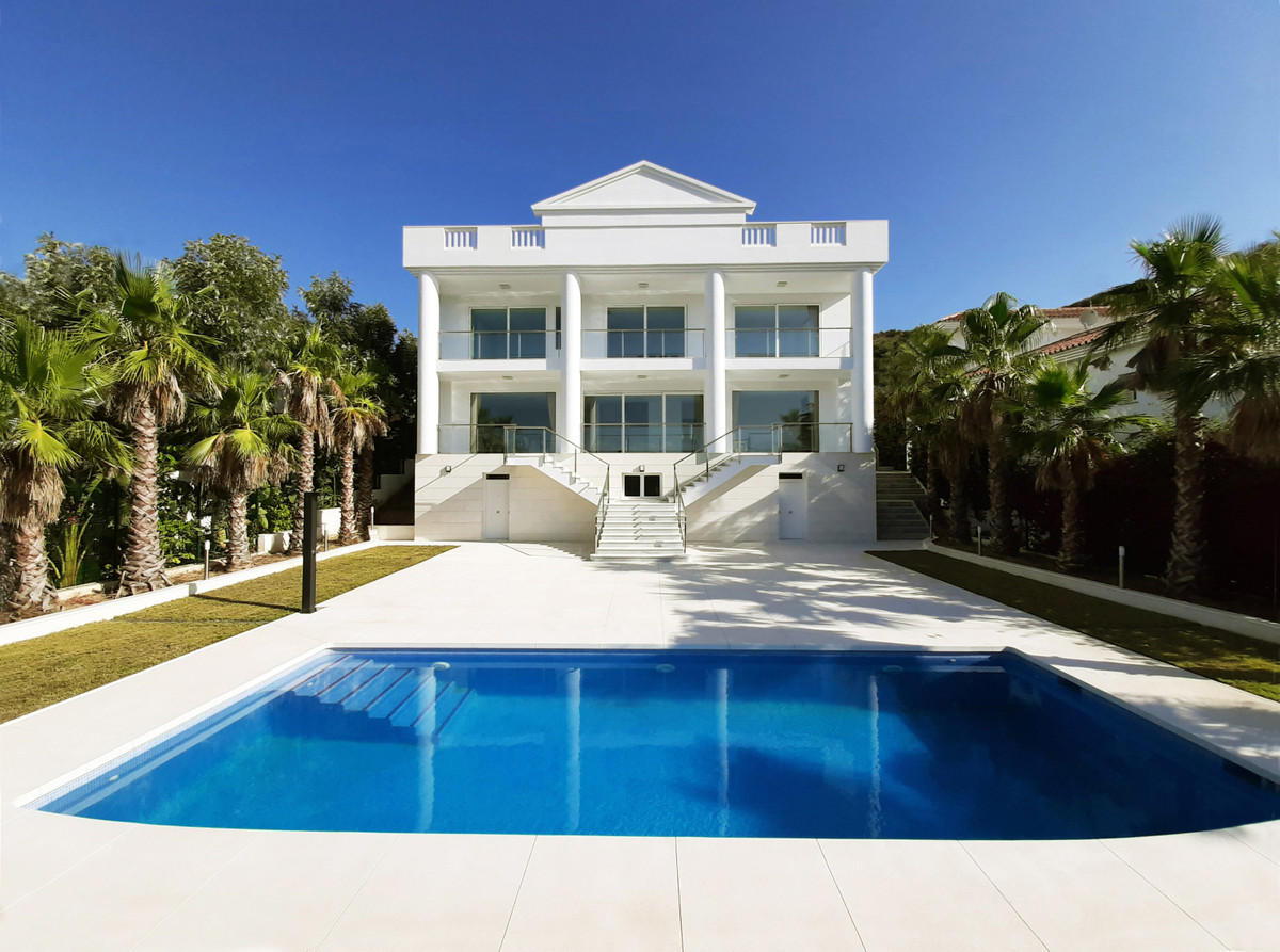 Magnificent newly built villa (2020) in Mediterranean neoclassical style in La Cala Golf. Front line,Spain