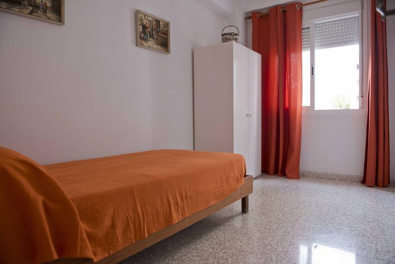 Apartamento Planta Media en venta en Los Boliches – R3638816