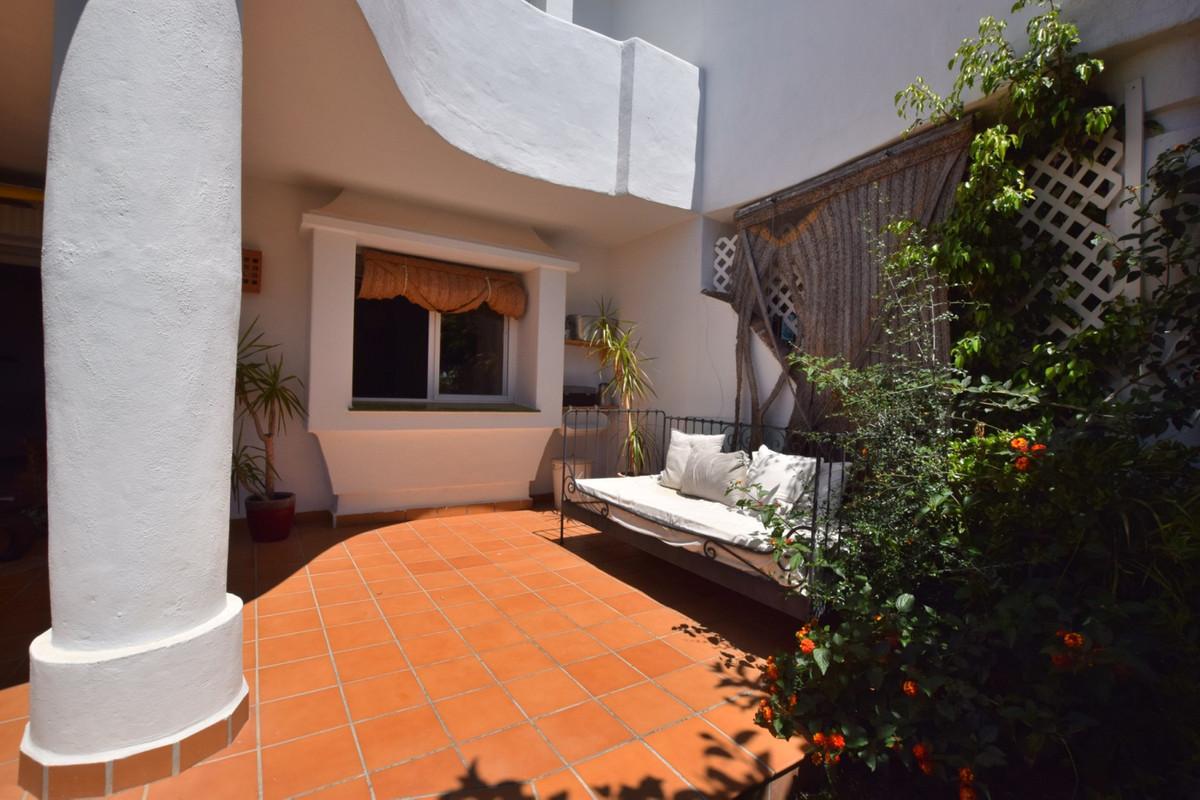 Marbella Banus Apartamento en Venta en Calahonda – R3506761
