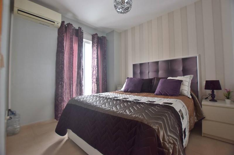 Marbella Banus Apartamento en Planta Última a la venta, Fuengirola – R3181615