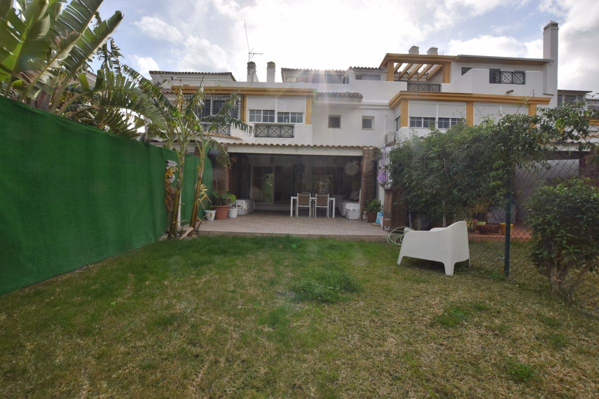 Townhouse located in one of the best urbanizations of Benalmadena Complex with paddle court, tennis ,Spain