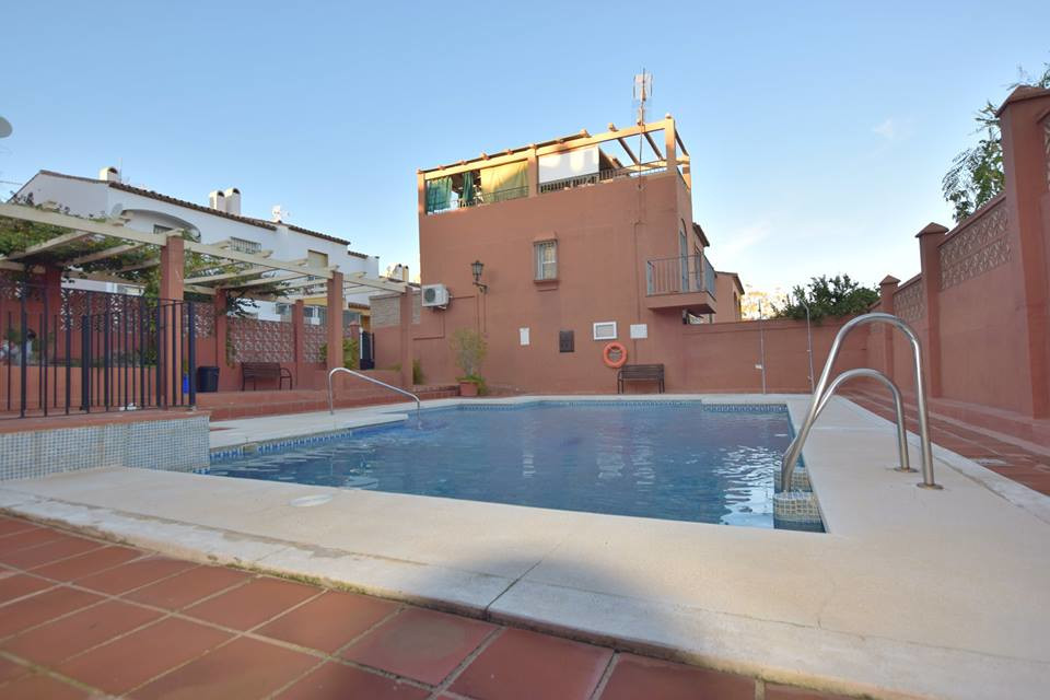 Community Fee; 35€/ per month            IBI; 306€/ per year    Townhouse located in Las Lagunas 3 b, Spain