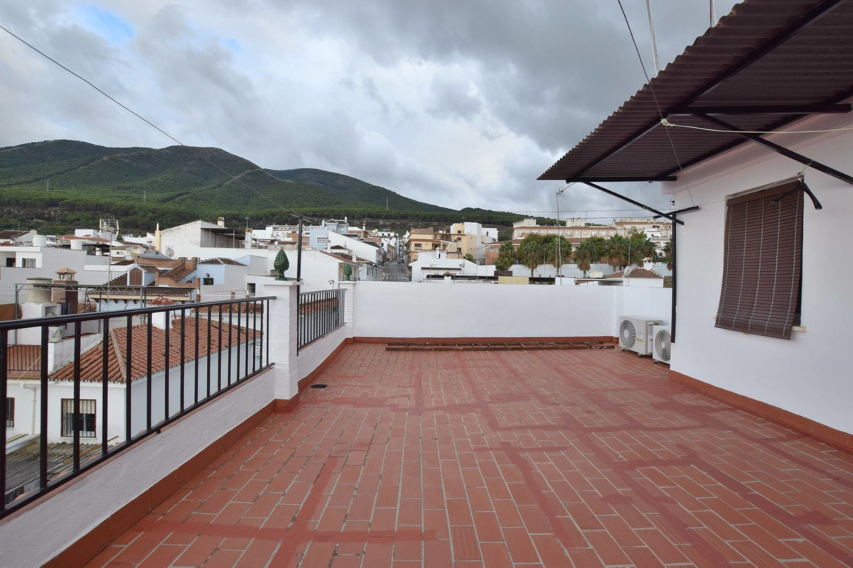 Apartment in Alhaurín de la Torre R3208156 1