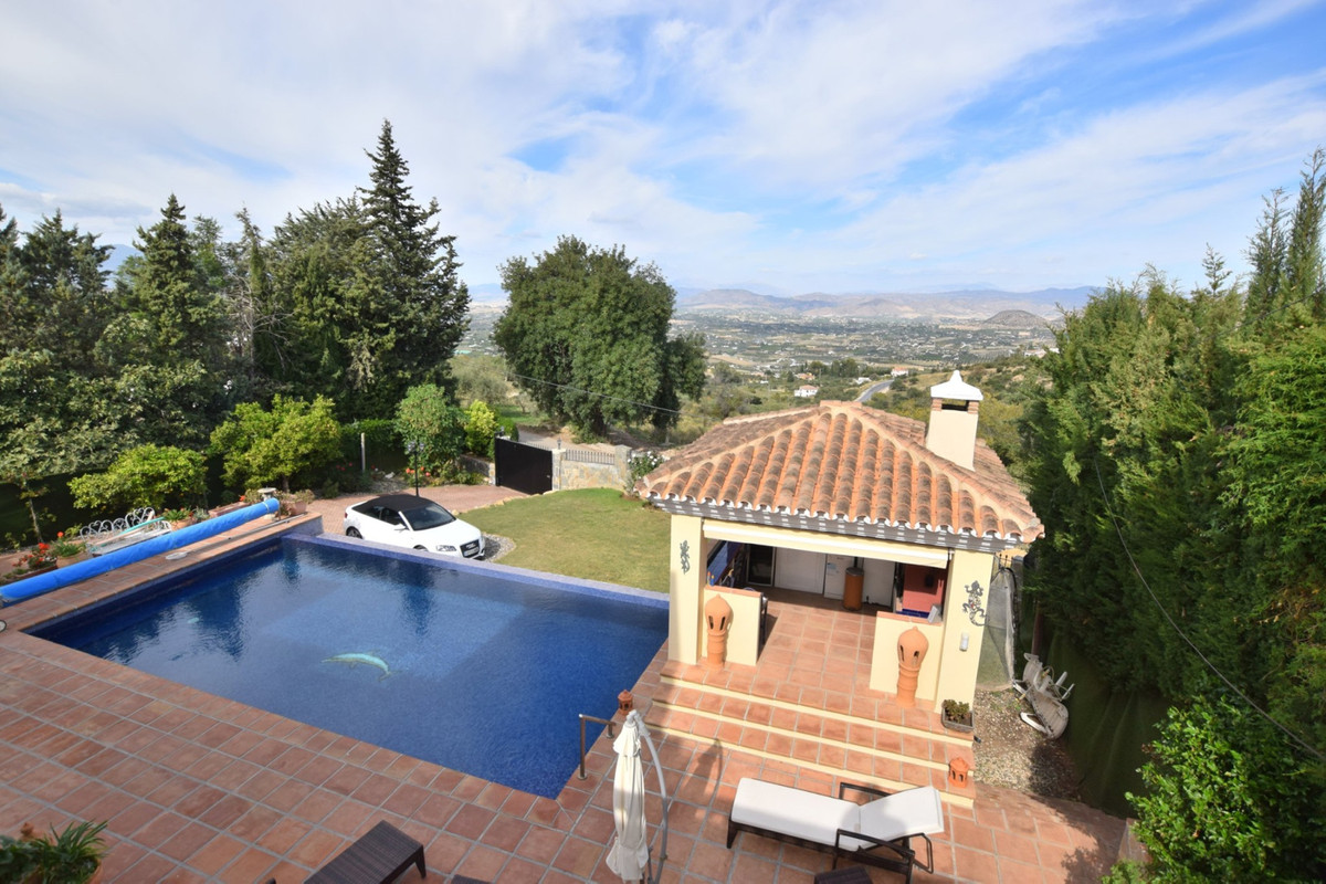 Detached Villa for sale in Alhaurín el Grande