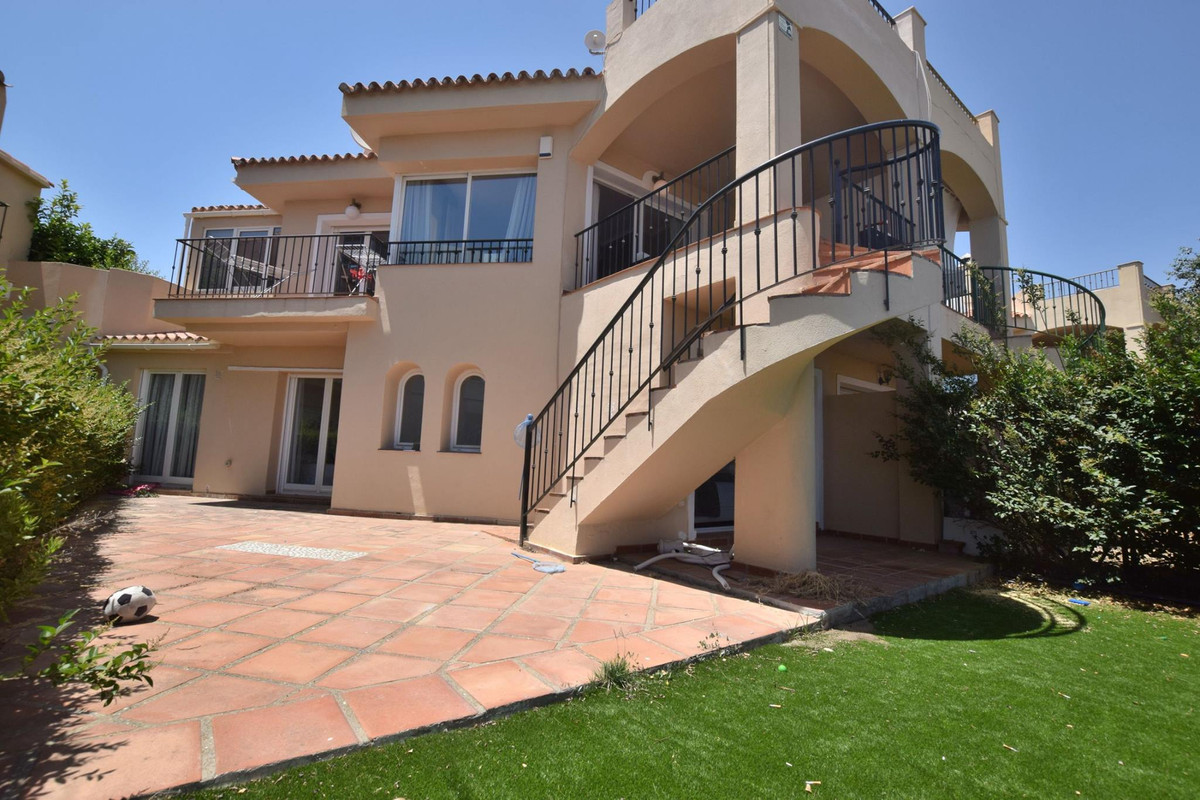 Townhouse in Riviera del Sol