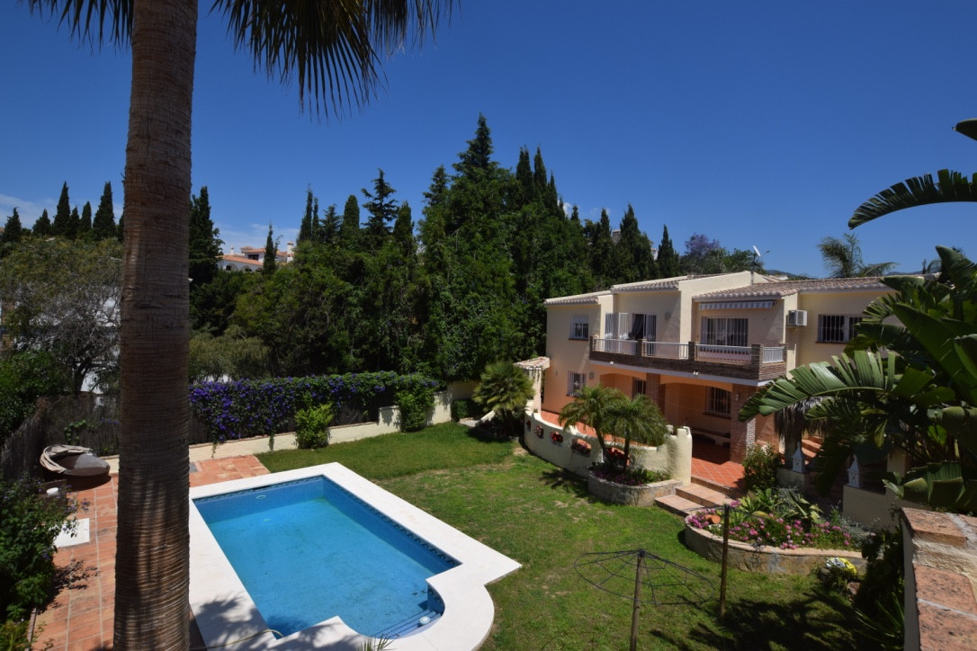 Lovely Villa for sale in Campo Mijas  Spacious property with 5 bedrooms and 3 bathrooms distributed , Spain
