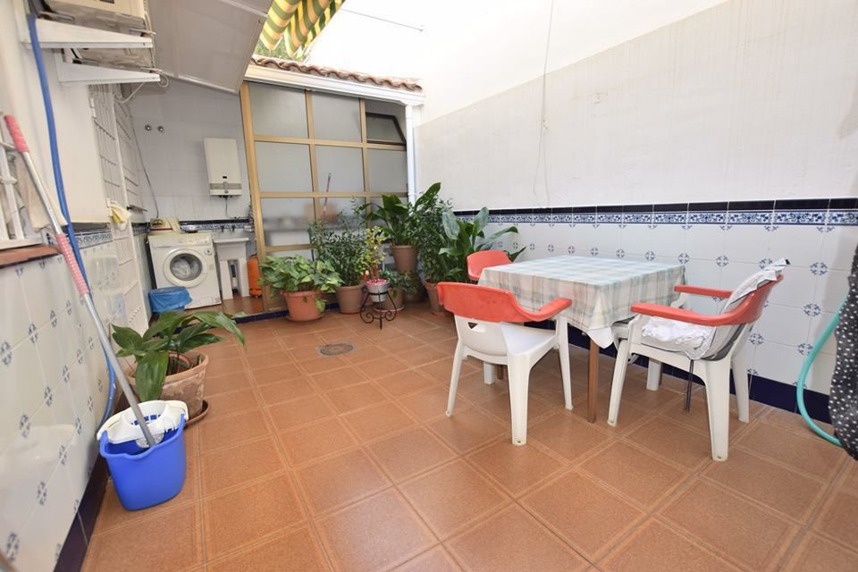 IBI; 500€   Rubbish; 50€  Townhouse located in Las Lagunas  4 bedrooms 2 bathrooms Fitted wardrobes ,Spain