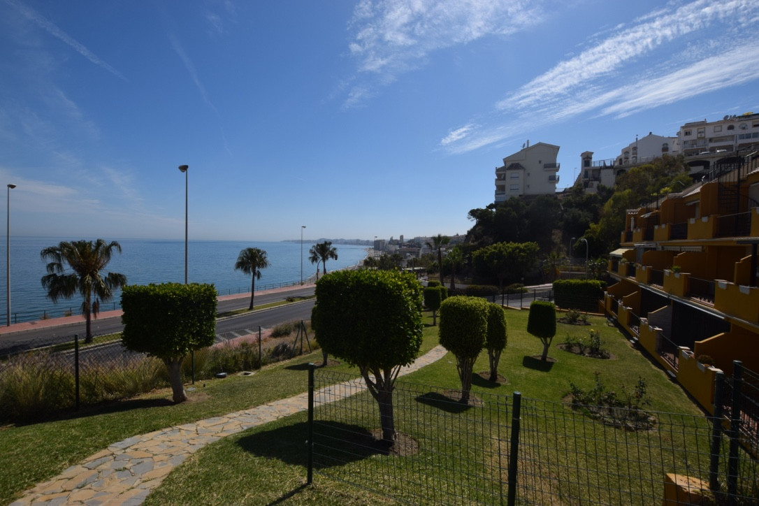 REDUCED!! From 229.000 € to 205.000 € Ground floor apartment located in Carvajal, Fuengirola Beach fSpain