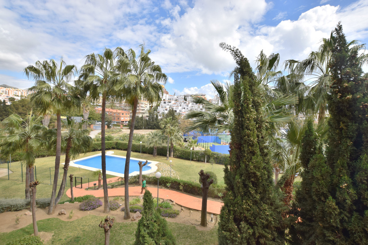 SE ALQUILA SIN MUEBLES Duplex located in Benalmadena Costa, with great location. Walking distance to,Spain
