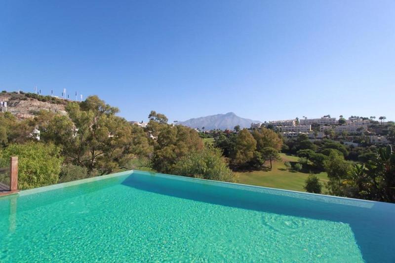 Villa – Chalet en venta en La Quinta – R3646625