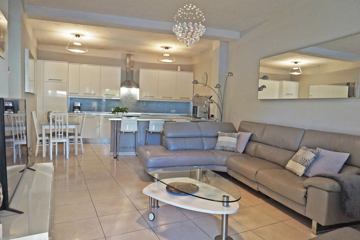 Apartamento en Venta en Marbesa – R3619268