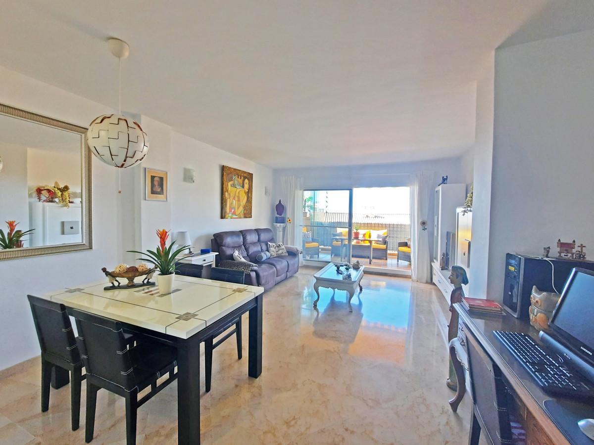 Marbella Banus Apartamento en Venta en Calahonda – R3826885