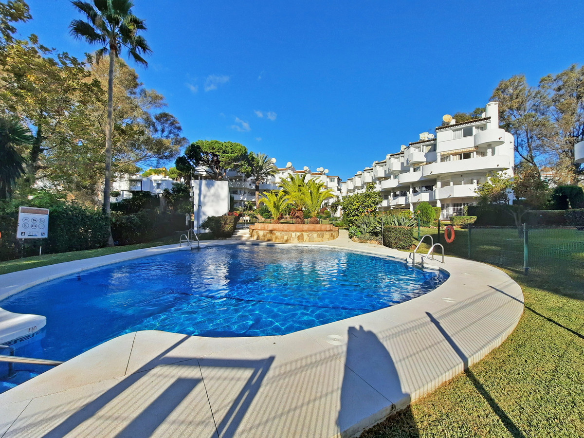 A lovely first floor 2 bedroom duplex apartment the located in the lower area of Calahonda amidst tr, Spain
