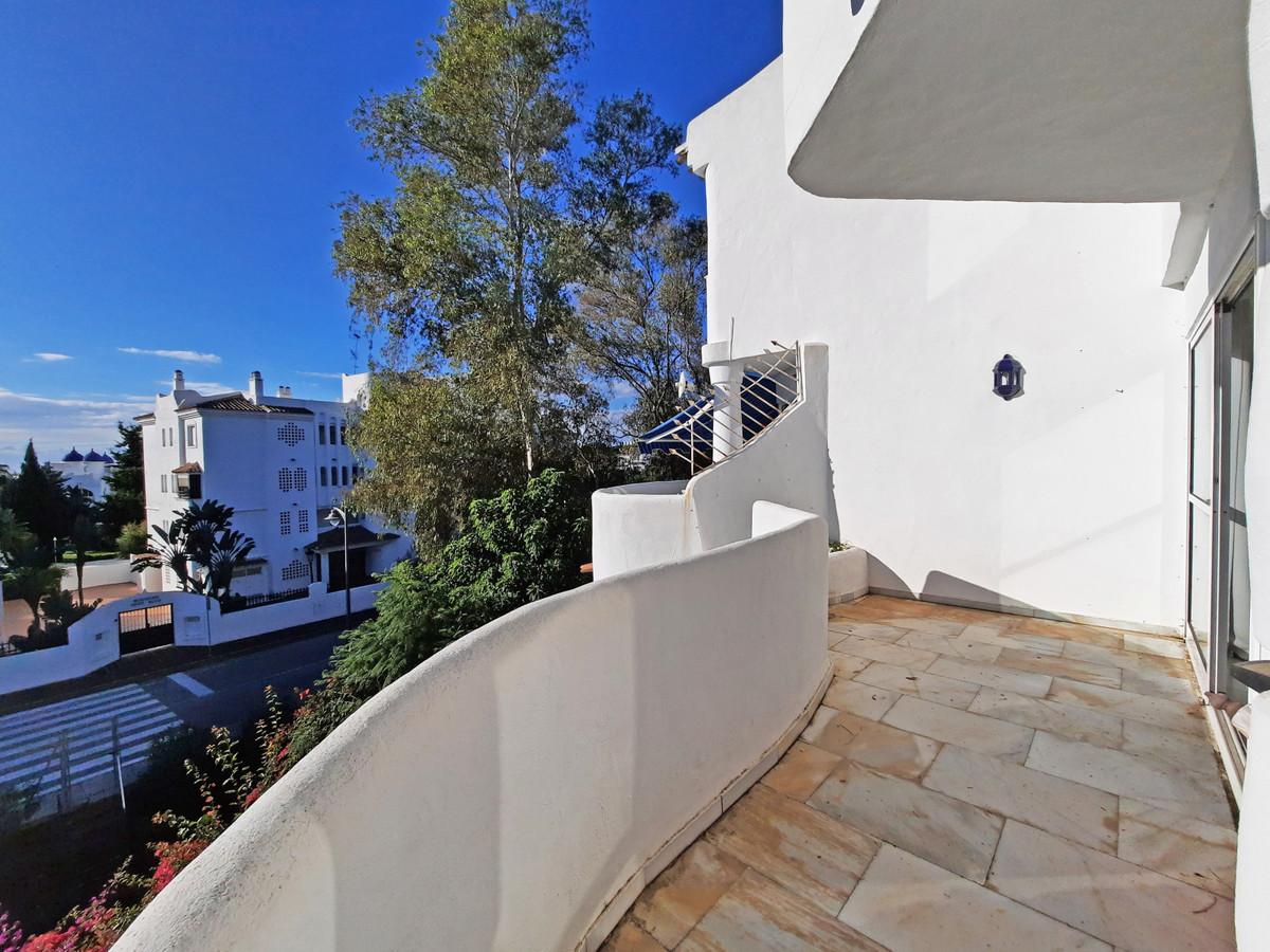Apartamento en Venta en Calahonda – R3757693