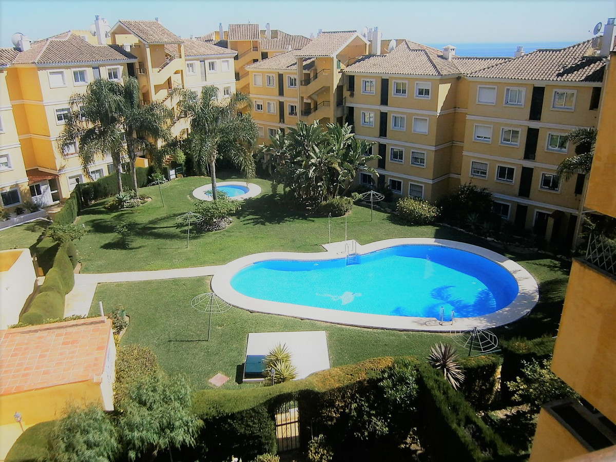 Riviera Del Sol, Flamingo Golf Park, Mijas Costa, Spacious penthouse with 3 double bedrooms and 2 fu,Spain