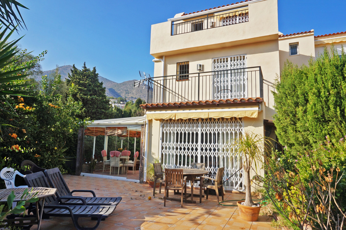 This 3 bedroom semi-detached house is situated in the urbanization Torremar in Benalmadena. It',Spain