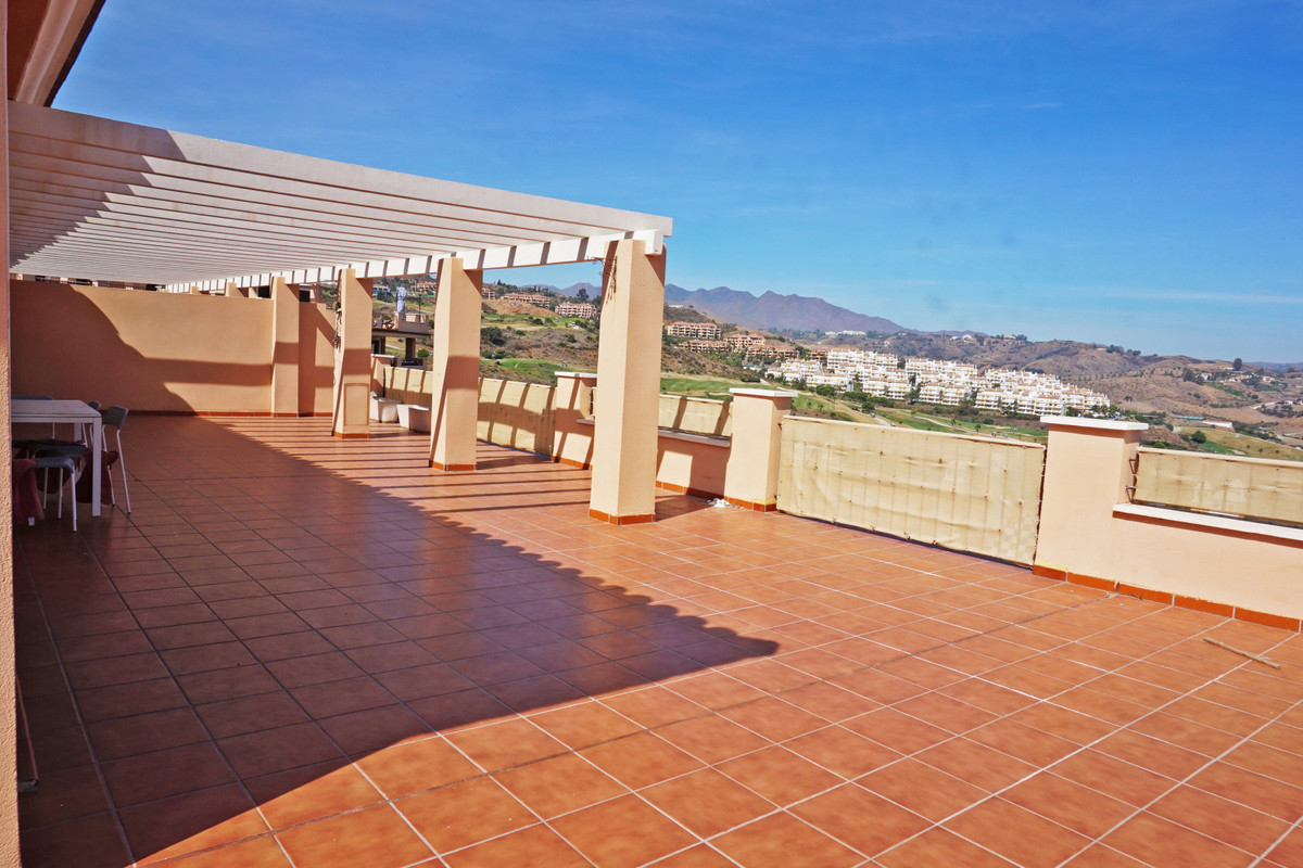 Beautiful penthouse with huge 200 m2 terrace facing the golf with stunning panoramic views to the mo,Spain