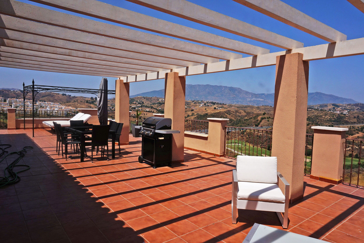 Beautiful penthouse with large terrace facing the golf with stunning views to the mountain and the s, Spain