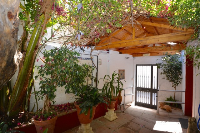 Villa  Finca 													for sale  																			 in San Pedro de Alcántara