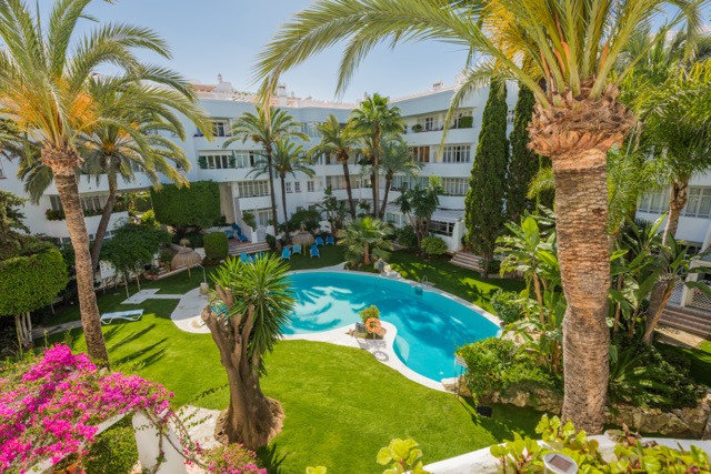The urbanization has 5 swimming pools, good security measures and is located in one of the most excl,Spain