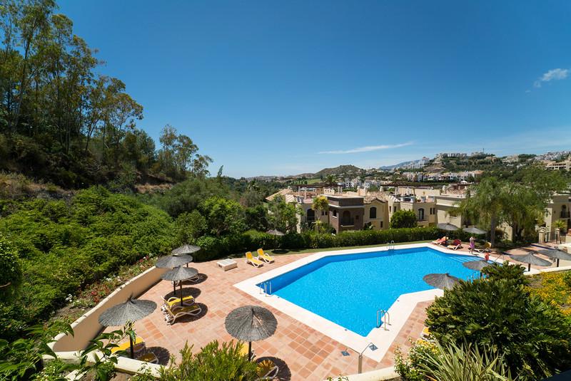 Marbella Banus Apartamento Planta Media en venta en Los Arqueros – R3203050