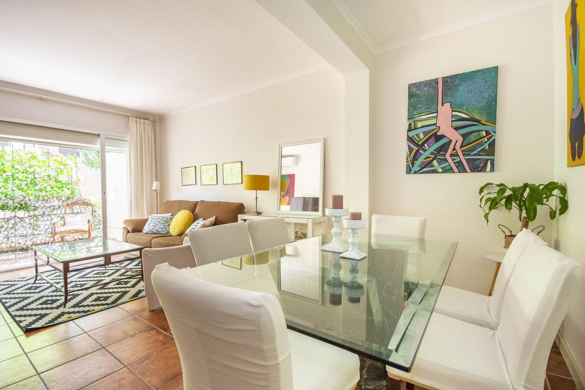 Marbella Banus Apartamento Planta Media en Venta en Marbella – R2664542