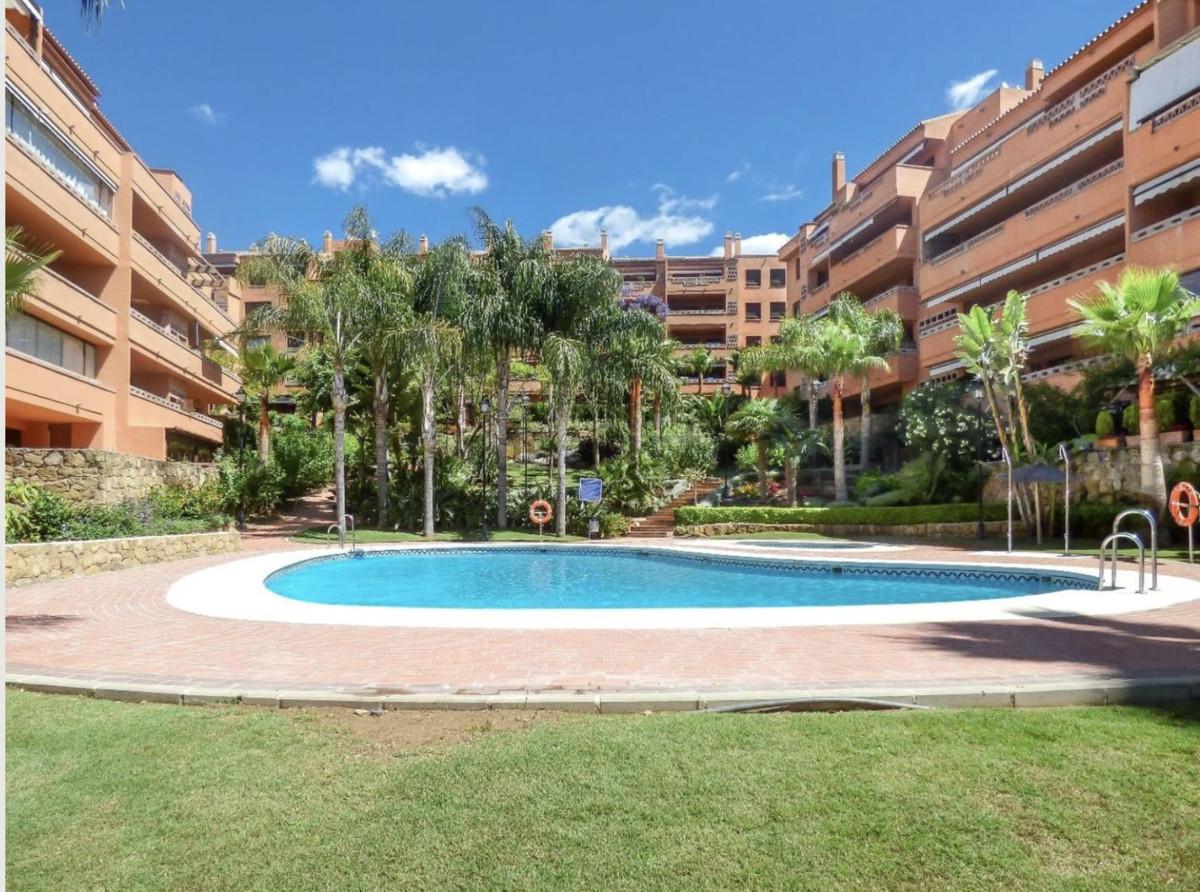 Marbella Banus Apartamento en Venta en Marbella – R3411088