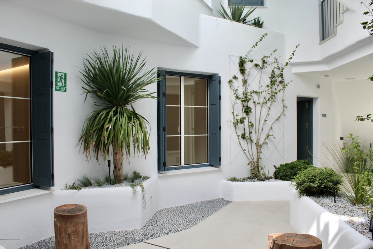 Beautiful newly renovated ground floor apartment situated in an emblematic building within the uniqu,Spain