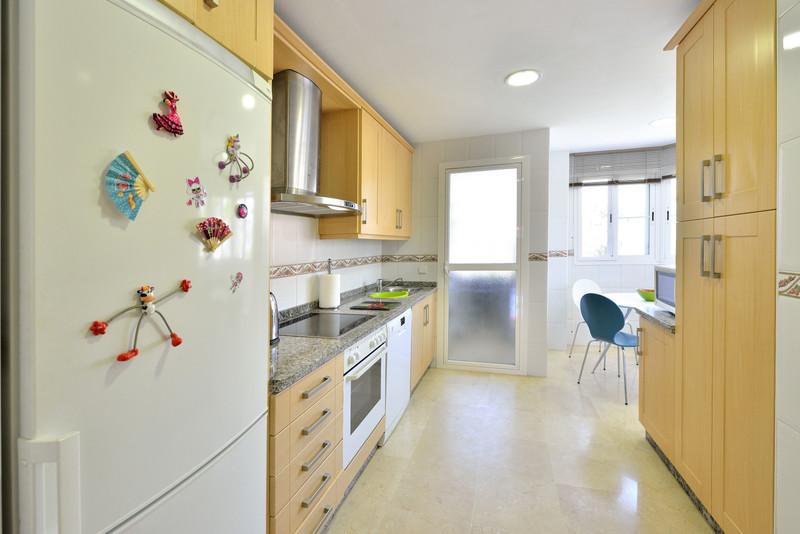 Apartamento Planta Media en venta en Benalmadena – R3475816