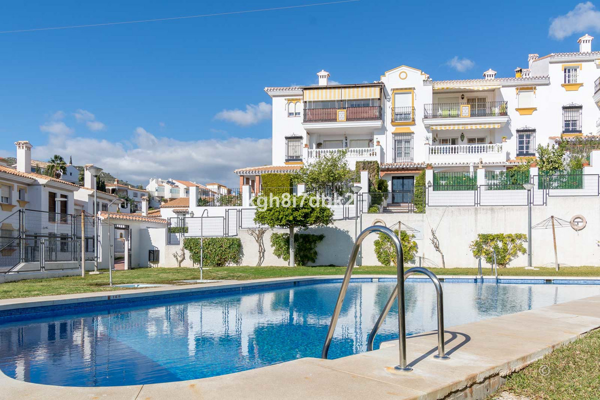 3 bed - 2 bath, South-west facing top floor apartment in La Cala del Moral, just 650 meters from the, Spain