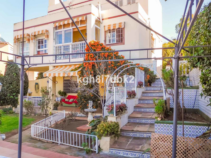 Villa – Chalet en venta en Málaga – R3600860