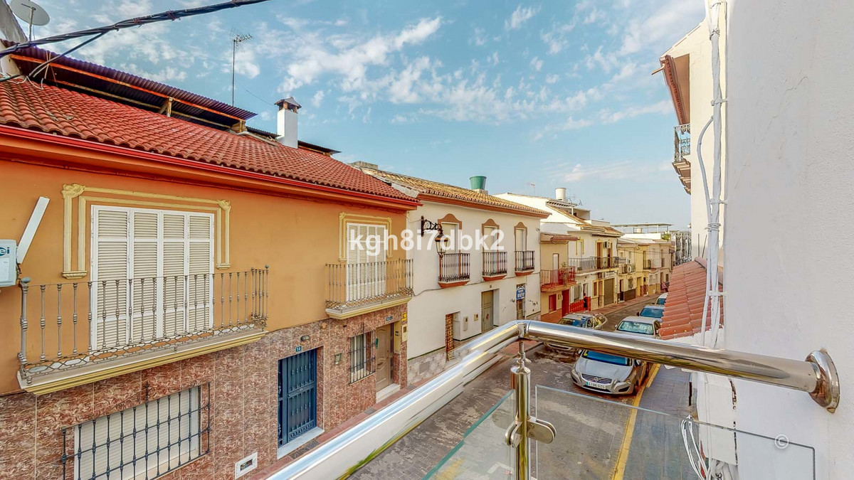 Totally renovated apartment in the center of Cartama,Spain