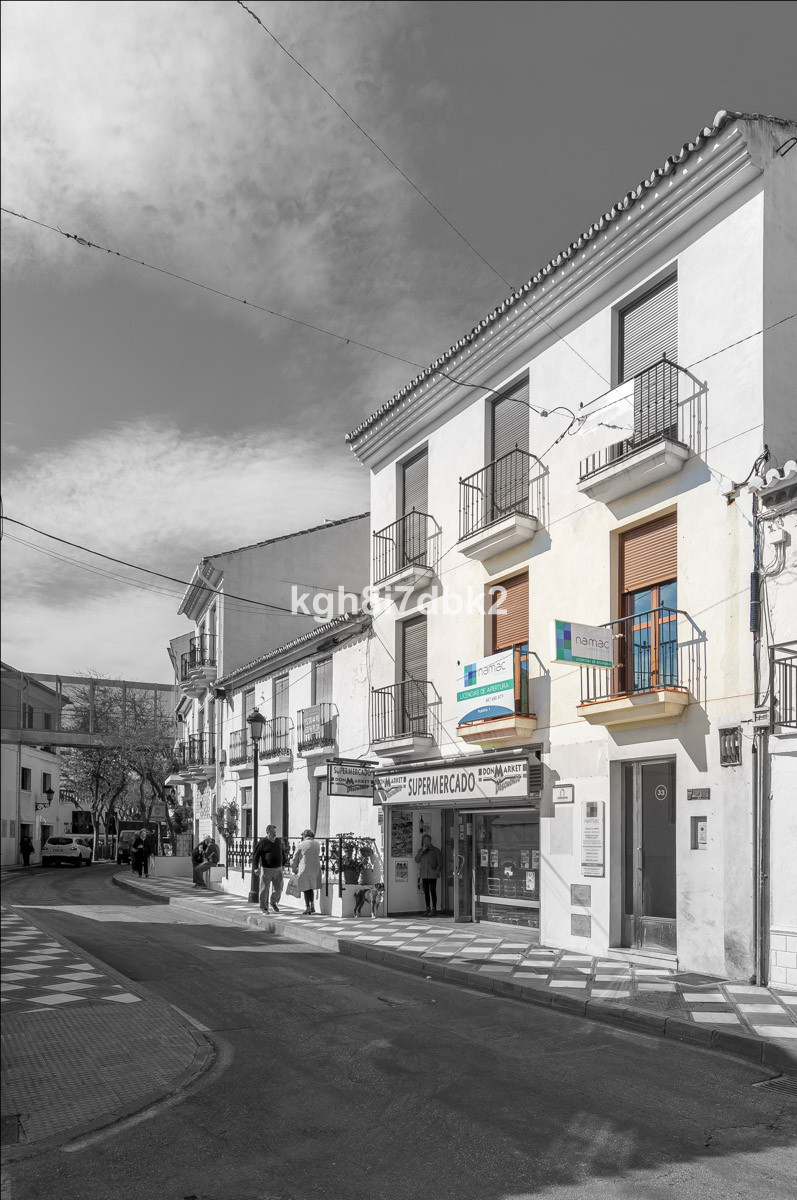 Office / apartment in the centre of Benalmadena Pueblo, just in front of the town hall.,Spain