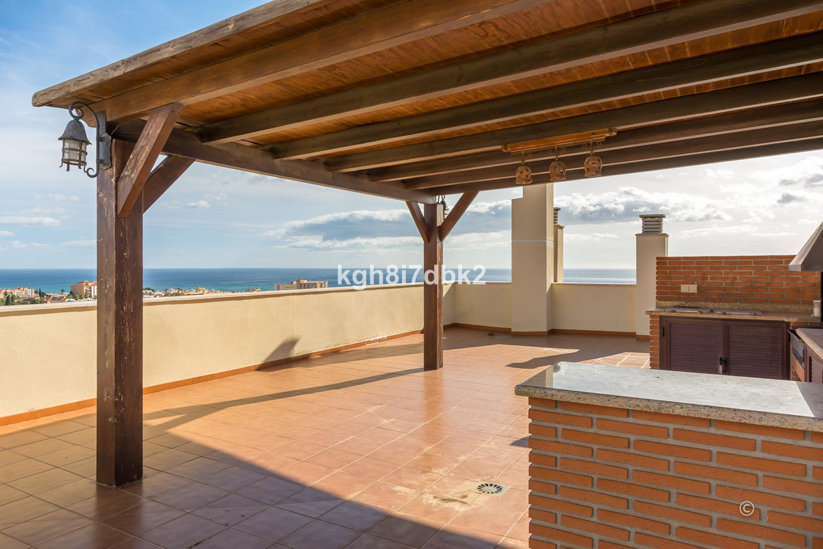 "Penthouse in ""Parque Olivar"" de Torremolinos. 130m2 built + 106m2 terrace partially closed, Spain"